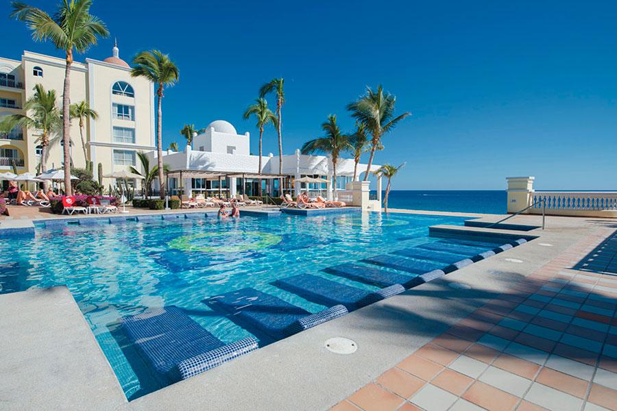 piscina-3-hotel-riu-palace-cabo-san-lucas_tcm55-169380 (1)